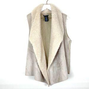 Chelsea & Theodore Sherpa Suede Feel Sweater Vest